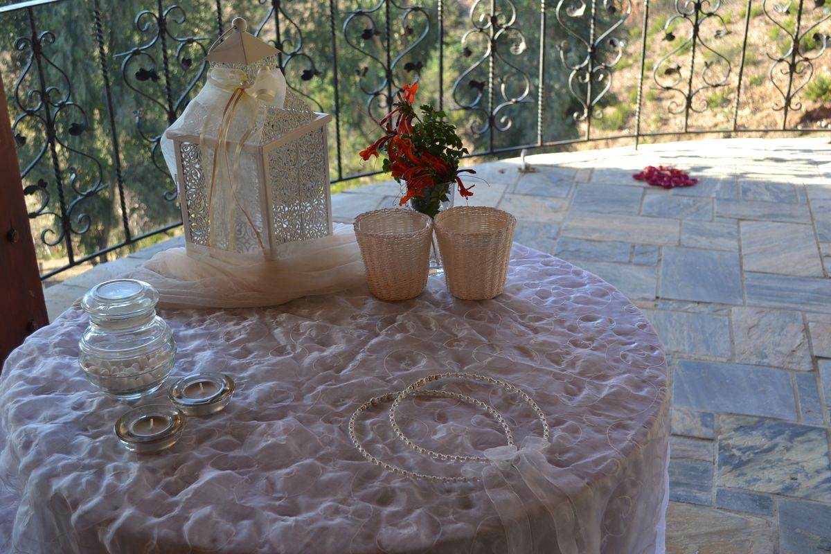 white_symbolic_wedding14.jpg